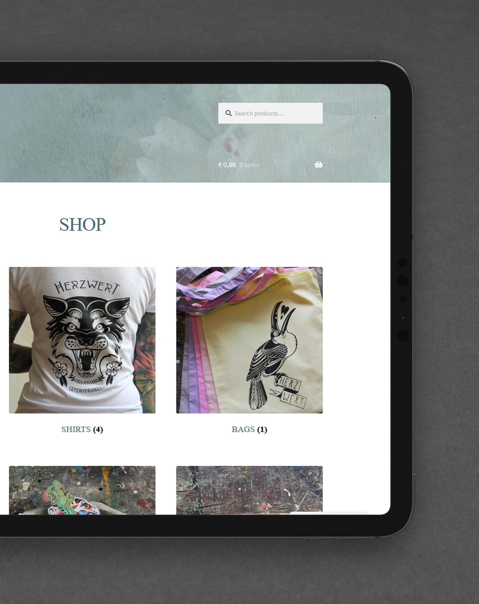 Gestaltung Tätowierer Shop Herzwert Aachen auf iPad